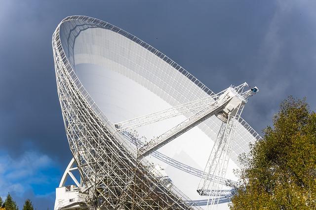 radio-telescope-3575529_640